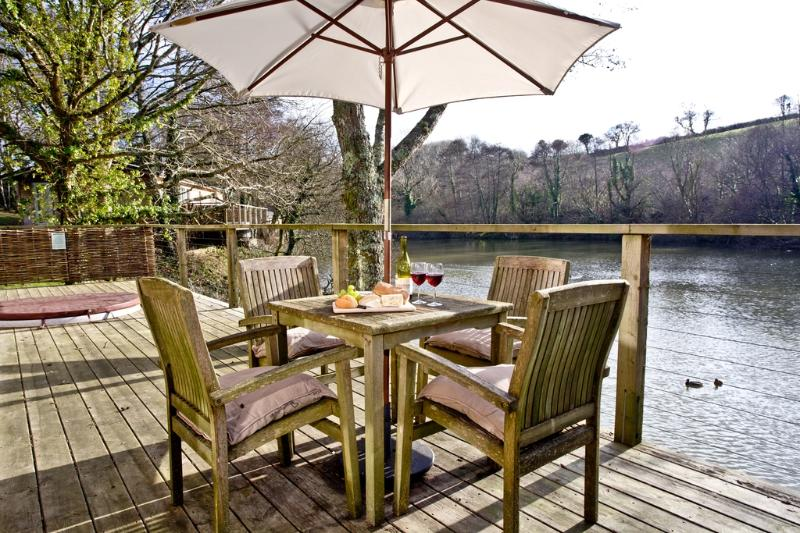 10 Watersedge located in Lanreath, Cornwall - Image 1 - Lanreath - rentals