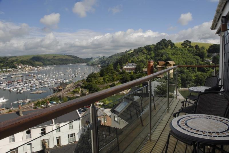 Woodbine House located in Kingswear, Devon - Image 1 - Dartmouth - rentals
