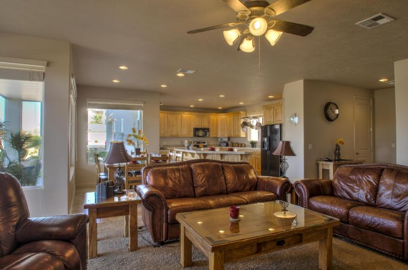 Open Concept Floor Plan - LP2005 - 3 BD / 2 BA - Saint George - rentals