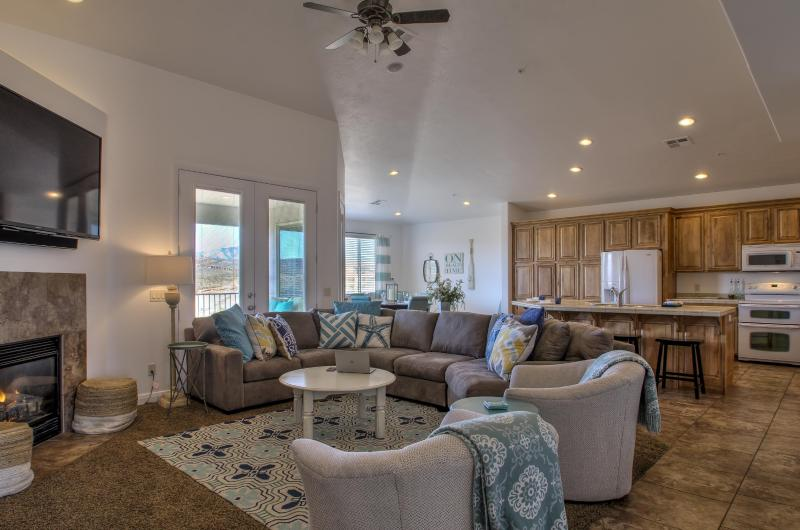 Welcome to our Beachfront Property - Beach House in the Desert - Georgeous 4 Bed 3 Bath - Saint George - rentals