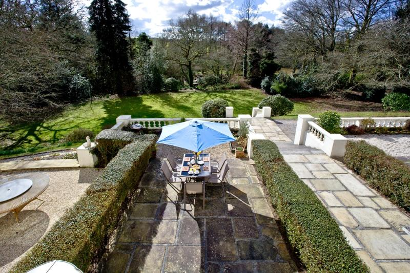 The Lawns located in Modbury, Devon - Image 1 - Modbury - rentals
