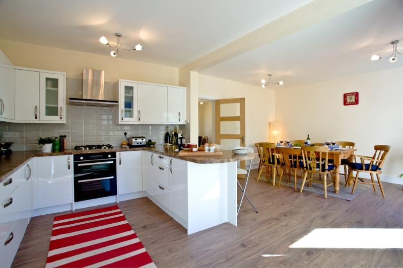 Sable House located in Paignton, Devon - Image 1 - Paignton - rentals