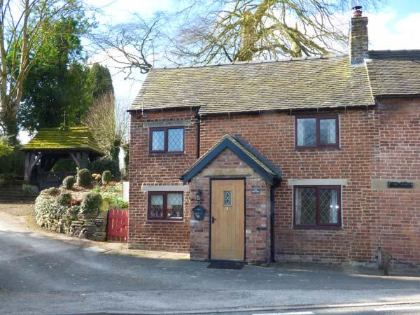 THE CASEY, brick-built, semi-detached, woodburner, parking, garden, in Fenney Bentley, Ref.931620 - Image 1 - Fenny Bentley - rentals