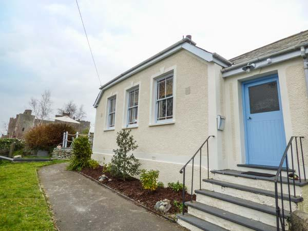 MORIAH HOUSE, converted chapel vestry, character features, four poster bed, pet-friendly, in Harlech, Ref 933657 - Image 1 - Harlech - rentals