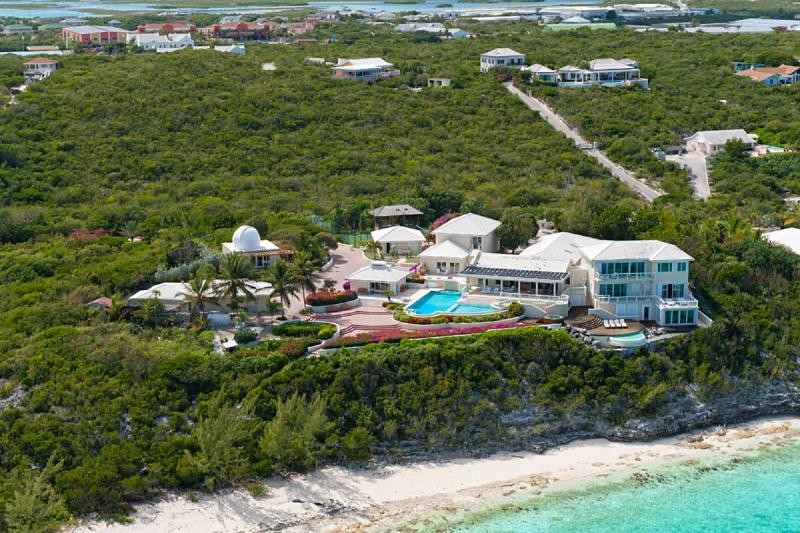 Luxury 6 bedroom Turks and Caicos villa. Private and beachfront! - Image 1 - Thompson Cove - rentals