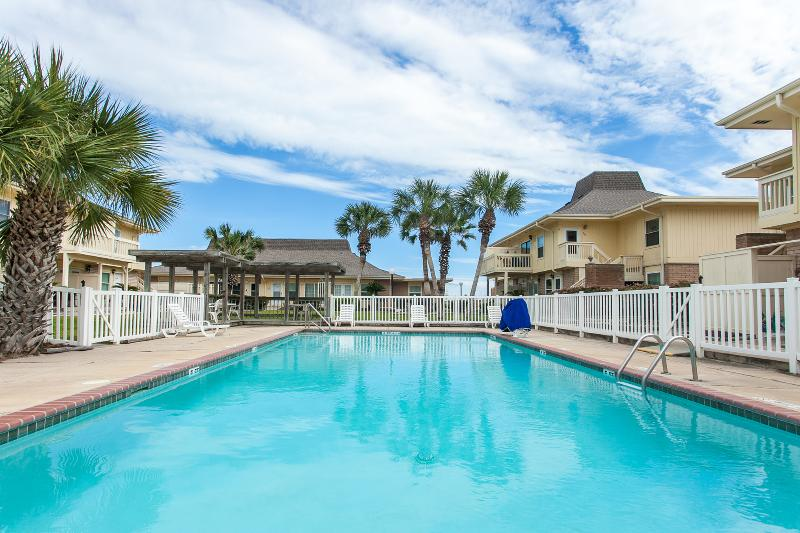 one of 2 pools - Remodeled Beautiful Large Beach Condo! Now Golf Cart Beach Access! GreatFishing! - Port Aransas - rentals