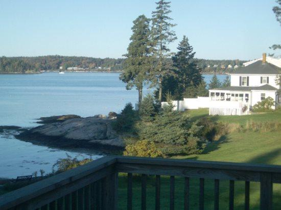 ATLANTIC SUNSET| SPRUCE POINT | OCEAN FRONT | BEACH | KAYAKING|PET-FRIENDLY - Image 1 - Boothbay - rentals