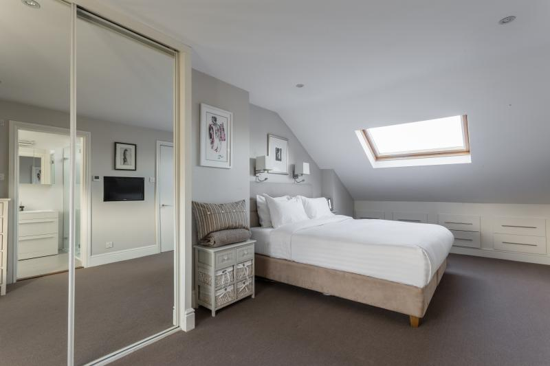 onefinestay - Bradmore Park Road private home - Image 1 - London - rentals