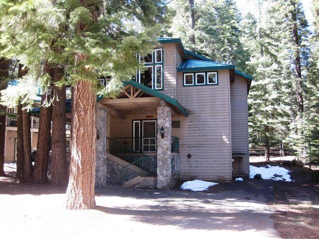 Front - Country Club Home, Walking Distance to Recreation Area 1 - Lake Almanor - rentals