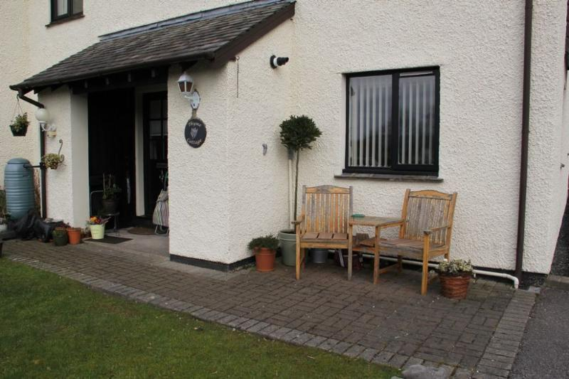 THYME COTTAGE, Windermere - Image 1 - Bowness & Windermere - rentals