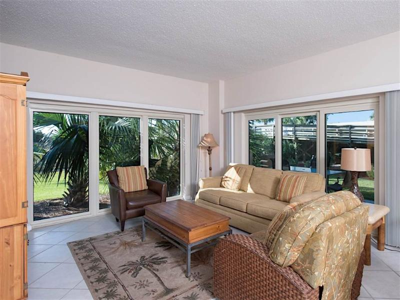 TOPS'L Beach Manor 0114 - Image 1 - Miramar Beach - rentals