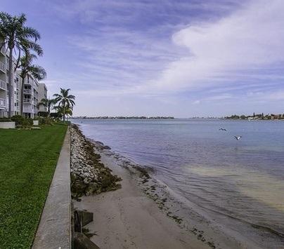 Beautiful Boca Ciega Bay - Paradise Awaits You on Isla del Sol!!! - Saint Petersburg - rentals