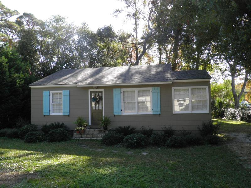 Adorable cottage close to the Pier Village on St. Simons Island! - Bike to Village/Beach on St. Simons Island! - Saint Simons Island - rentals