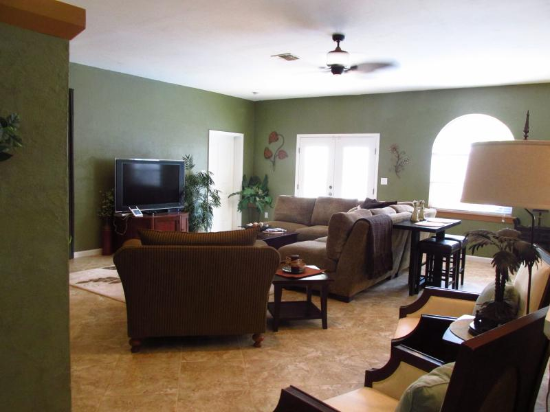 Game & Play Rooms/Heated pool/4 bdrm/3 bath - Image 1 - Naples - rentals