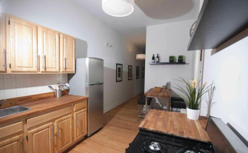Lovely SoHo Apartment WIth 2 Bedrooms and 1 Bathroom - Hardwood Floors - Image 1 - Newark - rentals