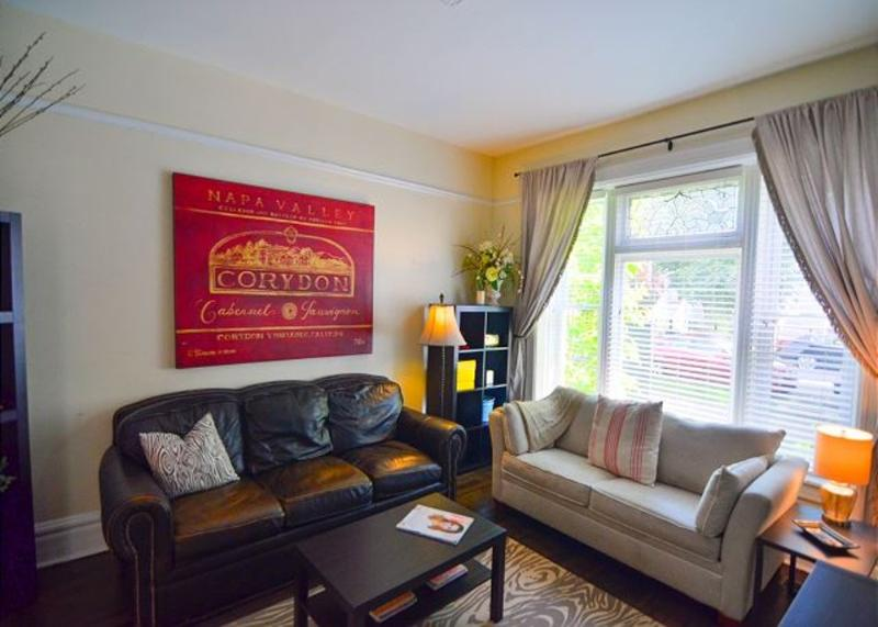 Furnished 2-Bedroom Apartment at W Melrose St & N Greenview Ave Chicago - Image 1 - Chicago - rentals