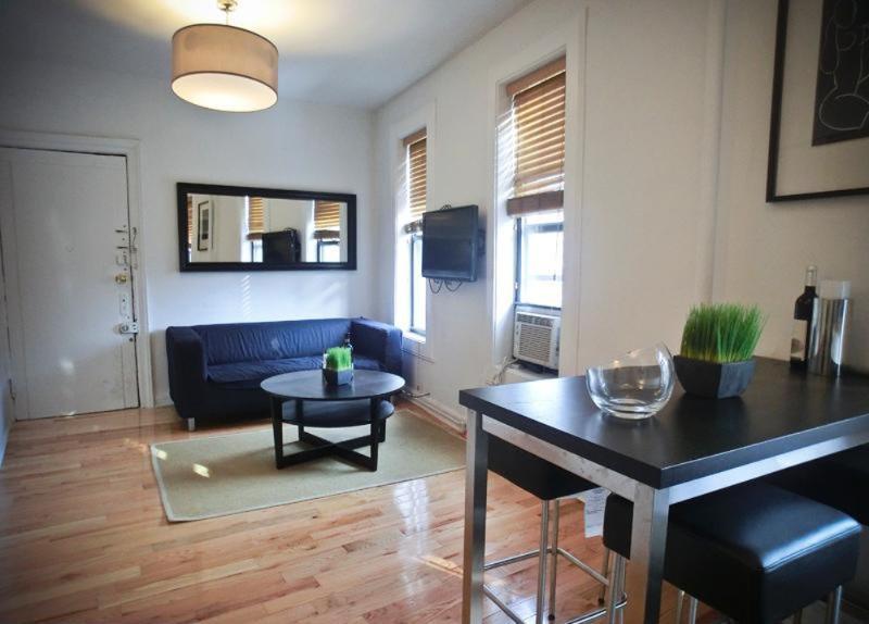 Serene and Quiet 3 Bedroom 2 Bathroom Apartment - New York - Image 1 - Newark - rentals