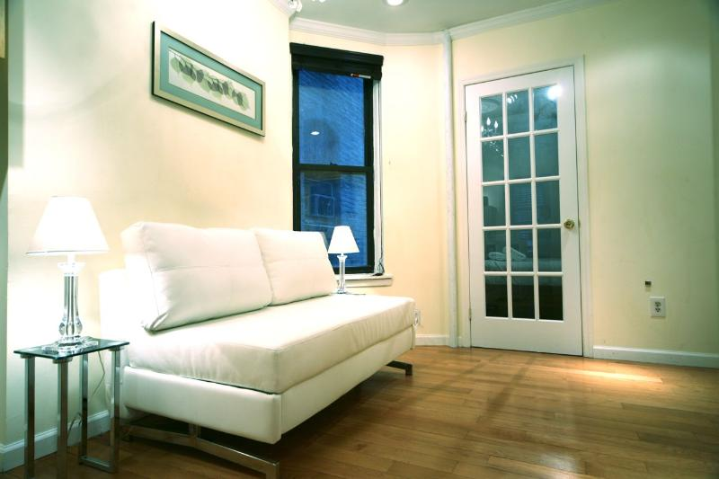 2 Bedroom Modern Elegance - Image 1 - New York City - rentals