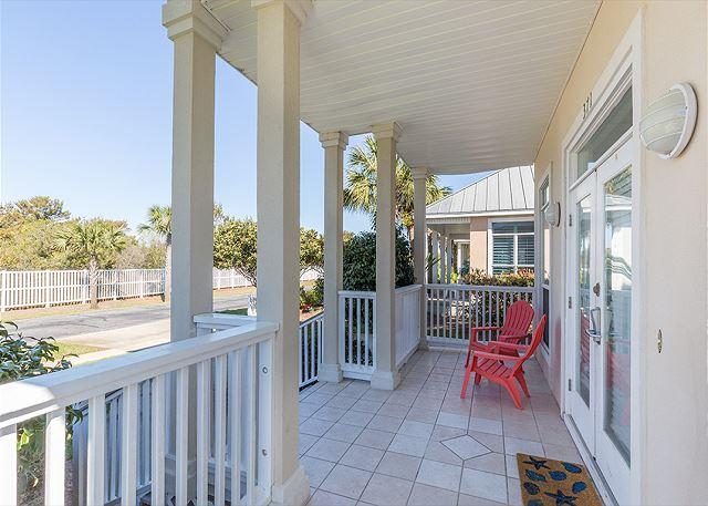 Wonderful Front Porch - 20% Off 5 Nights or More Feb-May 26th! Charming home 2 blocks from the beach - Miramar Beach - rentals