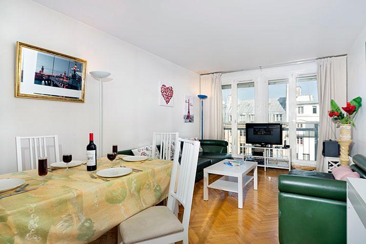 Pompidou 3 Bedroom Apartment in Paris-sleeps 7! - Image 1 - Paris - rentals