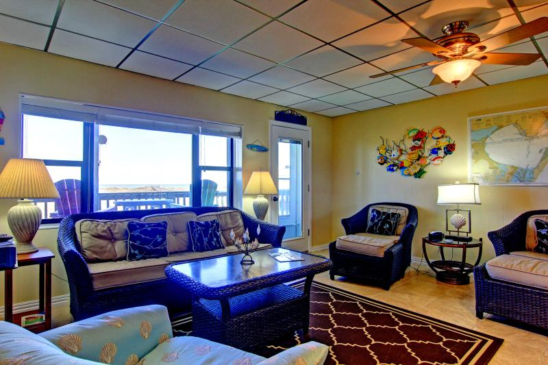 Buena Vista, 3 bedroom condo with beachfront views - Image 1 - Port Aransas - rentals
