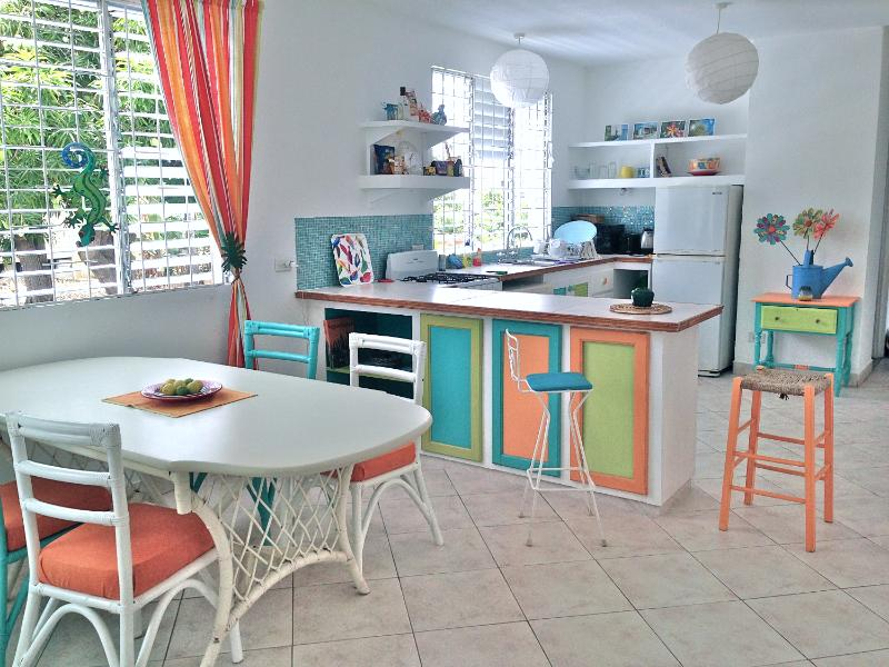 apartment sunlight kitchen - Charming Villa Sunlight  - 2 bedroom apartment - Dover - rentals