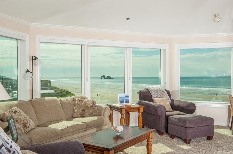 Seaview Condos #403 ~ RA5867 - Image 1 - Rockaway Beach - rentals