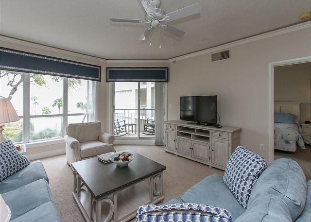 Living Area - 2315 Windsor Place II -Beautiful Oceanfront 1 Bedroom Villa! - Hilton Head - rentals