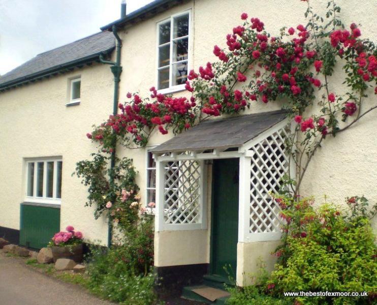 Forge Cottage, Wootton Courtenay - Cottage in quiet Exmoor village - Sleeps 2/3 - Image 1 - Wootton Courtenay - rentals