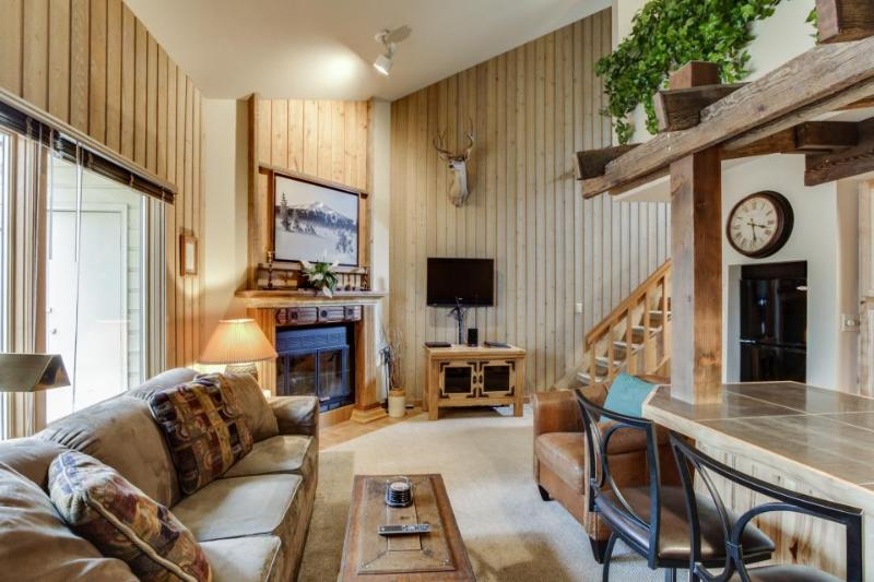Mt. Bachelor Village condo w/ shared hot tub & pool! Enjoy nearby slope access! - Image 1 - Bend - rentals
