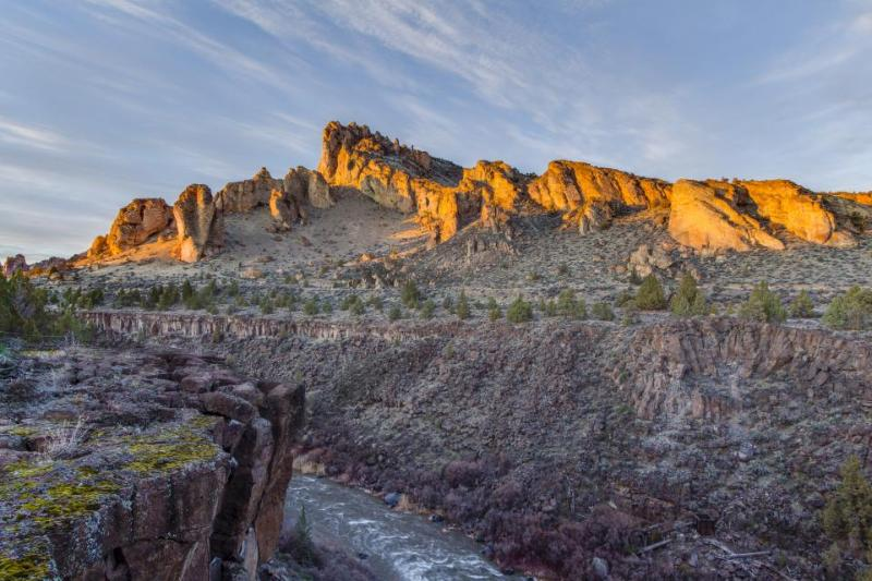 Riverfront with stunning views, near Smith Rock State Park! - Image 1 - Terrebonne - rentals