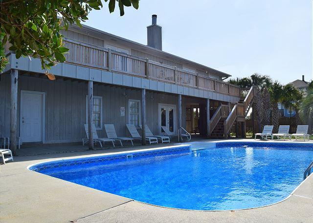 Back of the home with sparkling swimming pool. - Via De Luna 1201 - Pensacola Beach - rentals