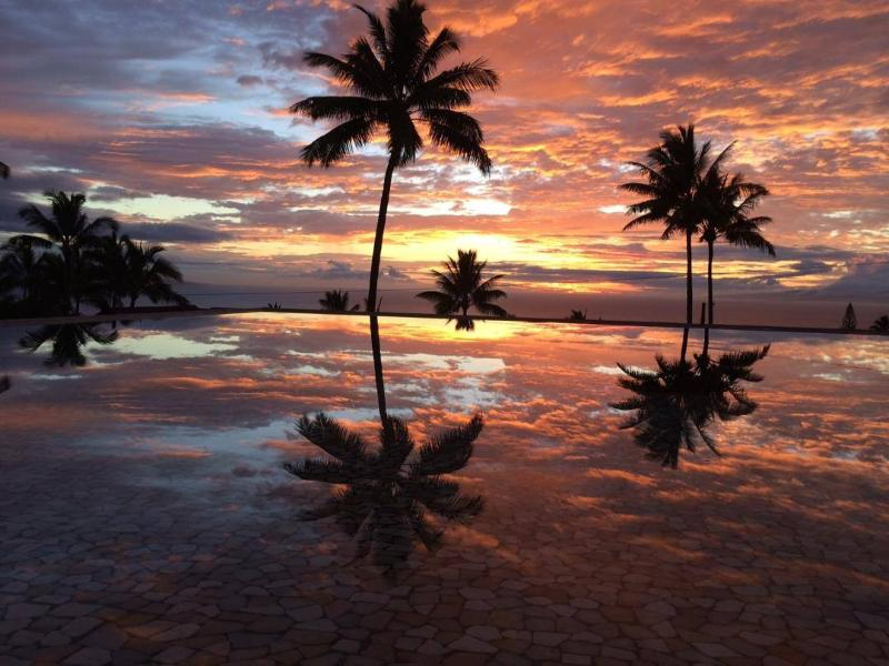 YES...THIS IS SUNSET FROM THE POOL!! - One-of-a-kind Maui Getaway - Wailea - rentals