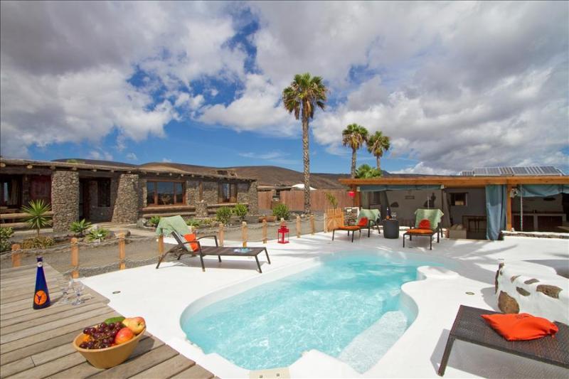 Villa LVC224631 - Image 1 - Arrieta - rentals