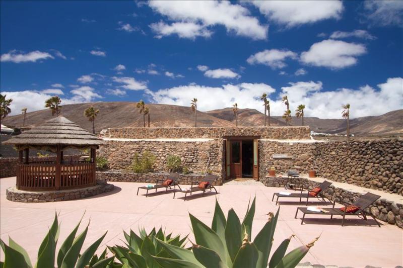 Villa LVC224329 - Image 1 - Arrieta - rentals