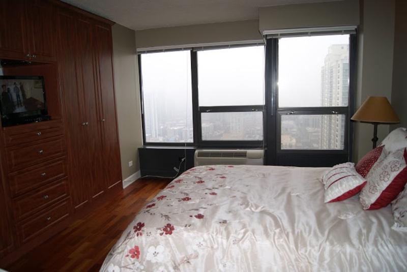 46th floor Condo Unit in Chicago With 1 Bedroom and 1 Bathroom - Queen Beds - Image 1 - Chicago - rentals