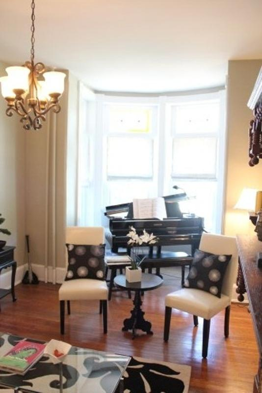CLASSY 4 BEDROOMS 2.5 BATHROOMS APARTMENT - Image 1 - Washington DC - rentals