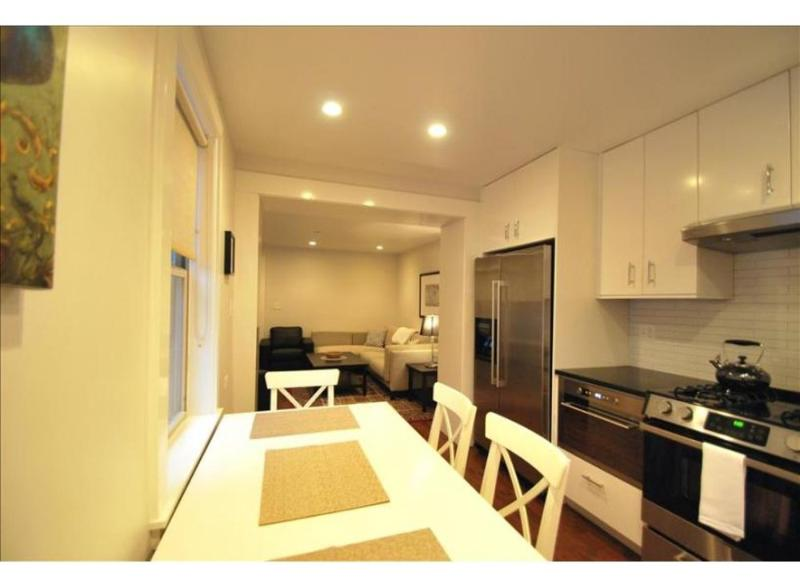 COMFORTABLE AND BEAUTIFULLY FURNISHED 2 BEDROOM, 2 BATHROOM APARTMENT - Image 1 - Boston - rentals