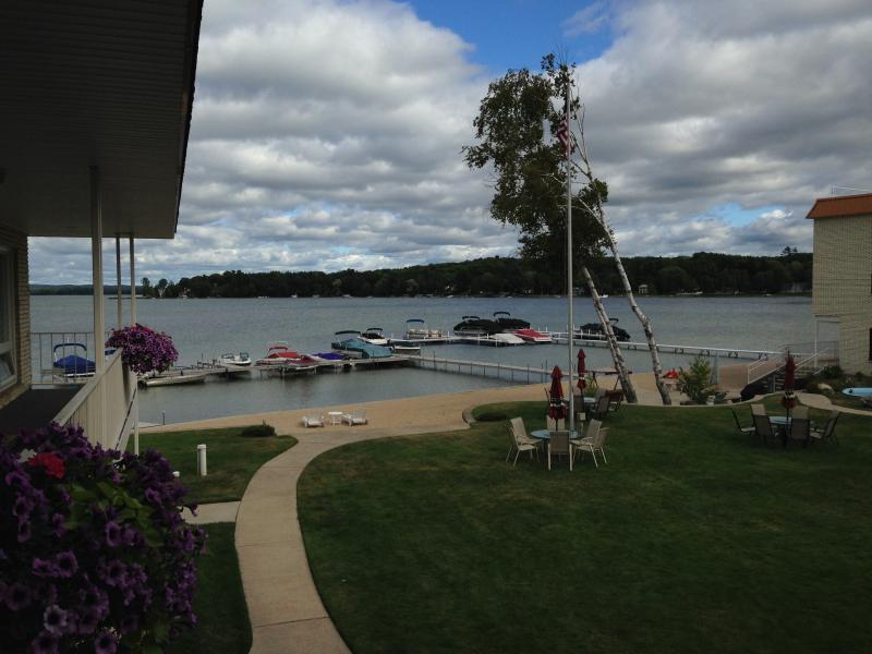 Crooked Lake Condo - Image 1 - Harbor Springs - rentals