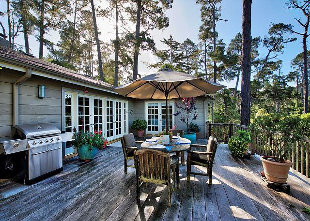 3711 - Sanctuary in the Oaks ~ Beautiful in Pebble Beach! Great Outdoor Space - Image 1 - Pebble Beach - rentals
