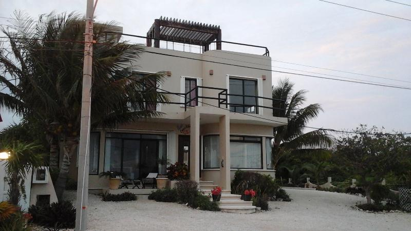 Front - Beautiful  Family 3 Bedroom with pool - Isla Mujeres - rentals