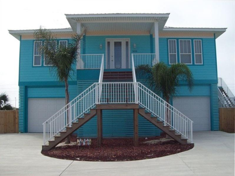 The Blue Marlin House, sleeps 16, heated private pool. - Blue Marlin Beach Home with Heated Pool Sleeps 16 - Pensacola Beach - rentals