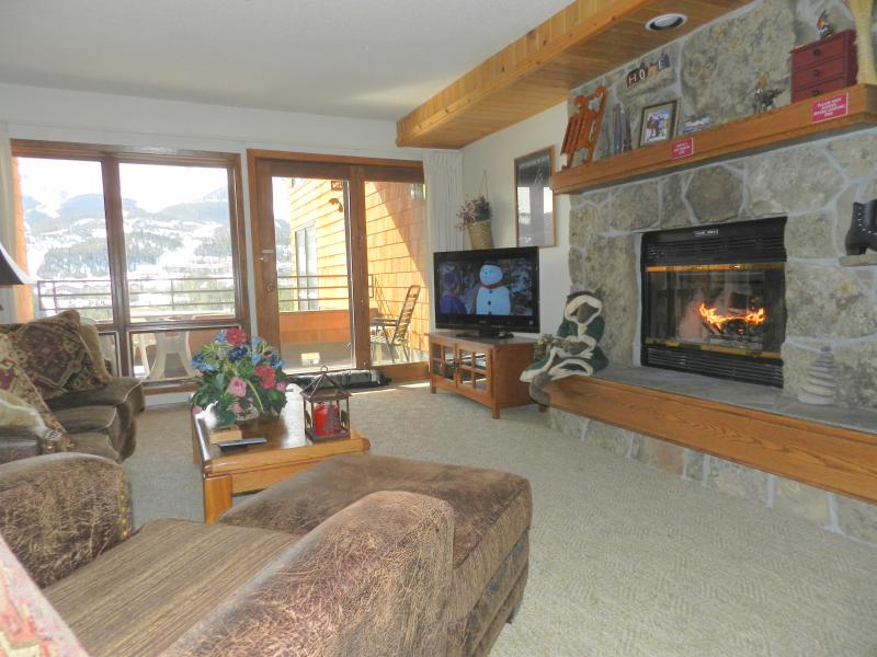Big Sky Condo,Indoor private hot tub,wood burning fireplace,Best Views of Mtn - Indoor Private Hot Tub, Wood Fireplace, 2BR,2BA - Big Sky - rentals