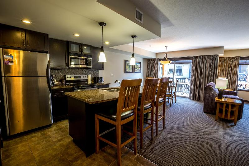Excellent, roomy open living space - Copperstone Resort 2 Bedroom Condo Near Canmore - Dead Man's Flats - rentals