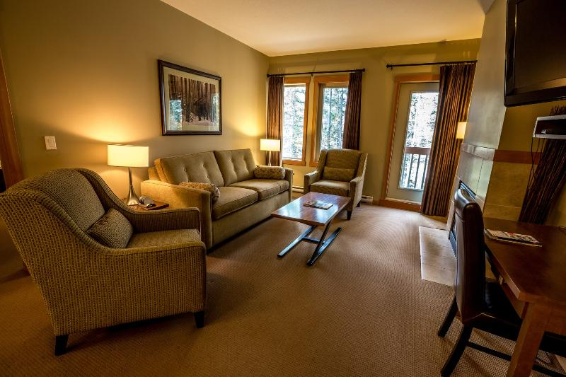 Enjoy lots of space and natural light - Canmore Lodges at Canmore Spacious 3 Bedroom Condo - Canmore - rentals