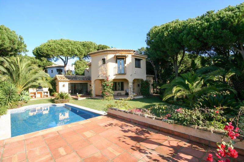 1823 - 4 bed villa, Cabopino, Marbella - Image 1 - Marbella - rentals