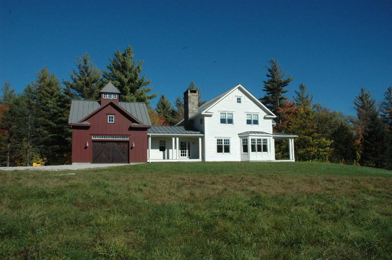 Beautiful New Country Retreat 2.5 miles - Image 1 - Stratton Mountain - rentals