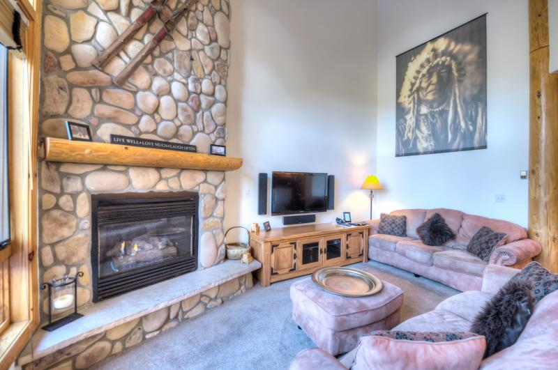 Luxury 5 Bed *Great Location* Town/Ski Lift/Pool - Image 1 - Breckenridge - rentals