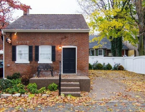 THE RIVERFRONT GUEST HOUSE - Image 1 - Saint Charles - rentals