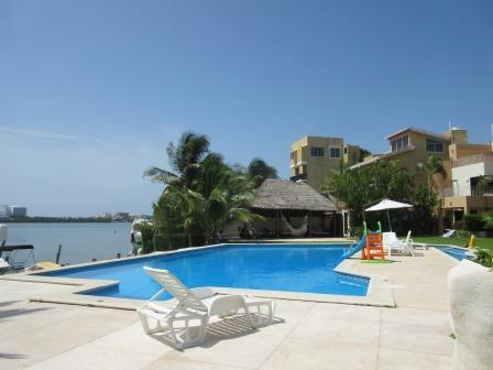 Beautiful Villa Facing the Water - Image 1 - Cancun - rentals